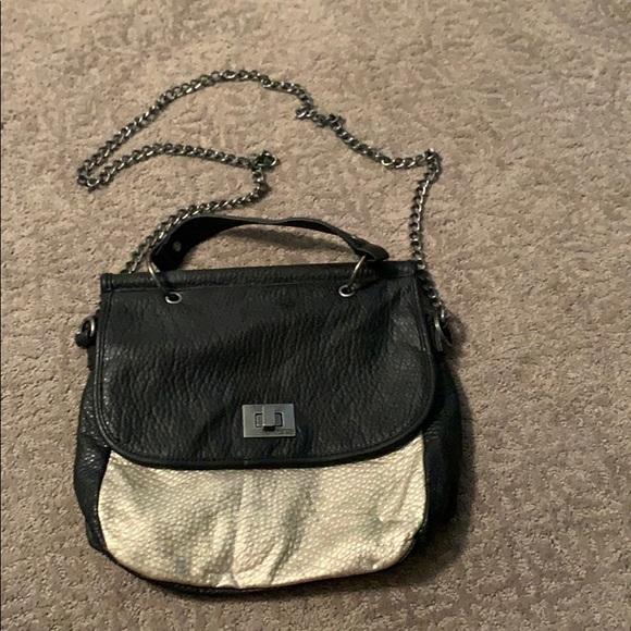 Vans Handbags - NWOT VANS cross body purse